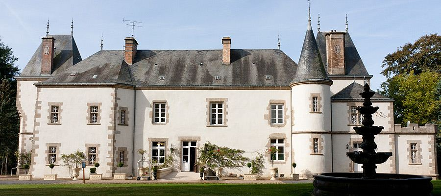 contactez le chateau du boisniard hotel 5 toiles puy du fou hotel proche cholet 85 chambretaud. Black Bedroom Furniture Sets. Home Design Ideas
